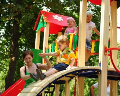 Севастопольские меценаты в торжественной обстановке откроют детскую игровую площадку