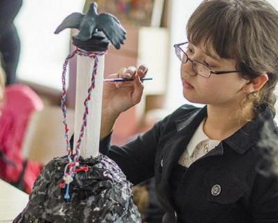 В Севастополе завершается конкурс «Севастопольская новогодняя игрушка на каждой центральной елке региона России».