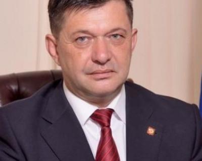 Власти Гагаринского района не смогли, а севастополец сумел помочь землякам
