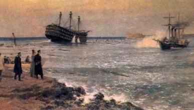 После каких событий в Севастополе был сооружён на воде памятник «Затопленным кораблям»?