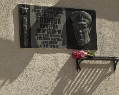 «Тупик» Глухова: Ярусов безвольно пеняет на правительство Севастополя, Горелов обходит десятой дорогой