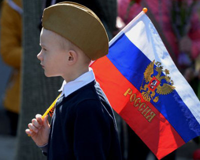 «ИНФОРМЕРу» пишут: «Давайте любить Севастополь по-настоящему, этот «патентованный» патриотизм уже надоел»
