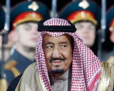 По Москве разгуливает король