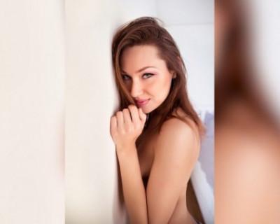 Российская порноактриса попросила Медведева и Жириновского легализовать криптовалюту
