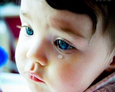 Травмирующие фото: в Севастополе от детских площадок осталось одно название