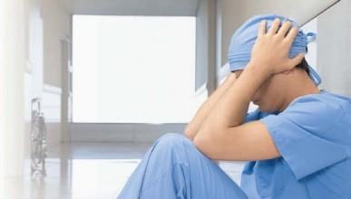 Мнение: зарплаты врачей в регионах остаются предельно низкими