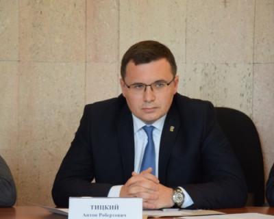 Глава Ленинского муниципалитета Севастополя выбрал себе машину и получил её от правительства
