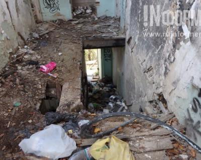 В этот севастопольский дом боятся заходить даже бомжи (ФОТОРЕПОРТАЖ)