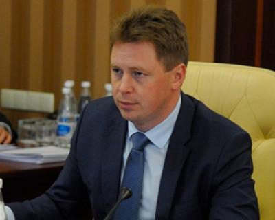 Губернатор Севастополя возмутился очередями в детскую поликлинику и устроил разнос