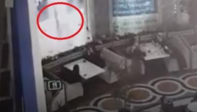 Видео: в Грозном ребёнок упал с третьего этажа и приземлился на диван