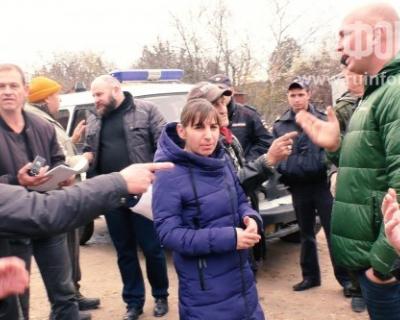 Скандал о сносе гаражей на улице Мельника в Севастополе обернулся диалогом власти с народом (ВИДЕО)