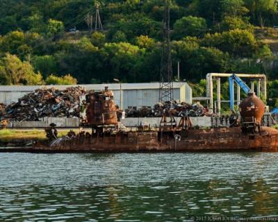«Зеленый патруль» предостерегает о возможной экологической катастрофе в акватории Севастопольской бухты