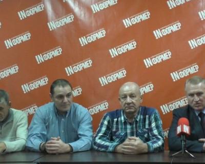 Общественники Севастополя хотят передать лично Президенту таинственную «зелёную папочку» (ВИДЕО)