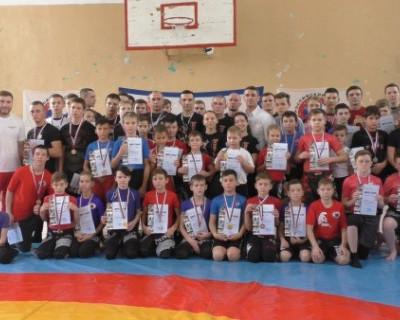 Зрелищные бои в Севастополе: 66 сильнейших спортсменов сошлись в жёсткой схватке