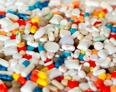 В учреждениях здравоохранения списывают лекарства, чтобы продать их втридорога