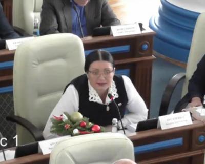 Свежий скандал на сессии ЗакСобрания Севастополя! Депутата обвинили в том, что она «перемещалась по комнате»