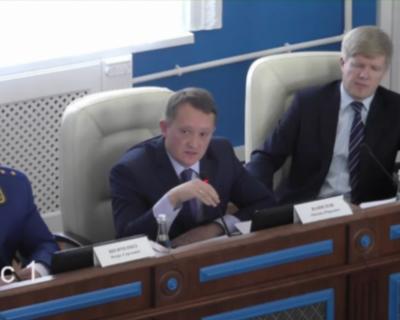 В Крыму бюджет приняли за 20 минут, а в Севастополе не смогли утвердить его вообще!