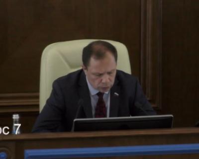 На сессии ЗакСобрания Севастополя в самый ответственный момент сменился «ведущий»