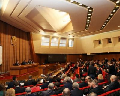 Крымские депутаты работают, а севастопольские не имеют права отстаивать интересы без зарплат?