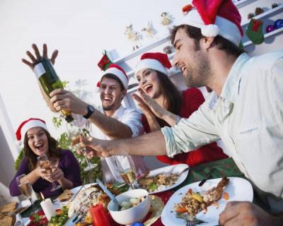Сколько тысяч россиян ежегодно умирают из-за новогодних праздников?
