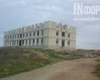 В военном городке Севастополя многое есть, но жизненно необходимого - нет