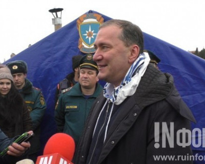 11 лет подряд депутат Госдумы Дмитрий Белик окунается в Чёрное море