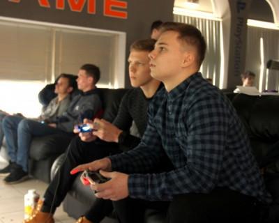 В Севастополе состоялся турнир по кибер-футболу FIFA-2018!