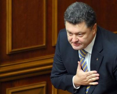 У Порошенко хотят ввести в Крыму военное положение