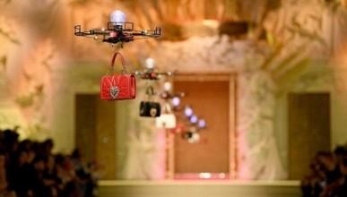 На показе Dolce Gabbana дефилировали дроны
