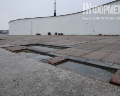 Севастопольская набережная с «проплешинами»