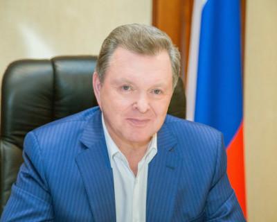 Белавенцев поздравил севастопольцев с годовщиной исторического референдума