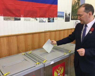 Белик впервые за 4 года надел награду за Русскую весну и выбрал президента