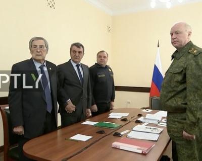 Меняйло объяснил, зачем держал Тулеева за руку на совещании у Путина