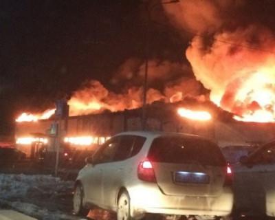 Кадры страшного пожара в тюменском магазине игрушек