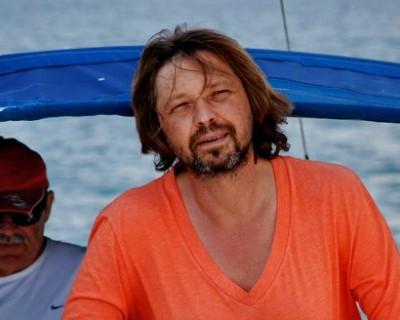 Титов сбрил бороду...«А что... Николаев?»