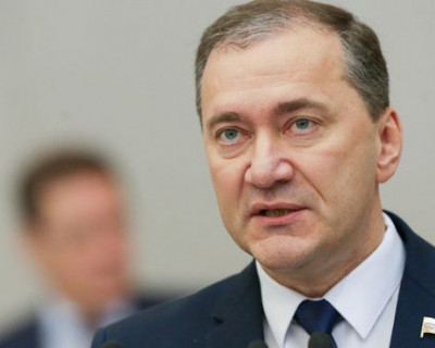 Дмитрий Белик: «В Крым летят особенные самолёты?»