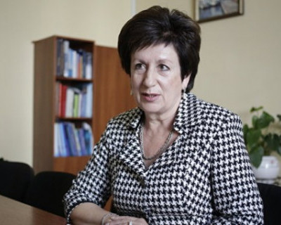 Алтабаева требует референдума