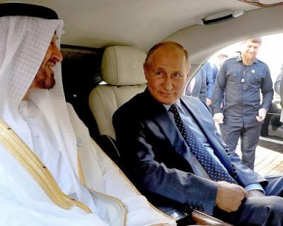 Принц Арабских Эмиратов не устоял перед лимузином Путина (ВИДЕО)