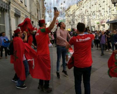 Футбольное безумие уже в нашей стране (ФОТО)