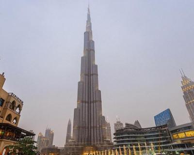 Дубайский небоскрёб окрасился в цвета флага России