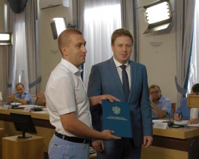 От президента из рук губернатора Севастополя