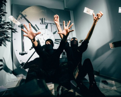 Паника в Крыму: неизвестные «вынесли» ещё один банк (ФОТО)