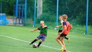 Севастопольским школьникам заменят физру футболом