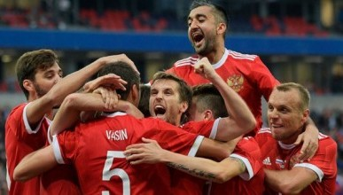 Известные севастопольцы об игре сборной России на чемпионате мира-2018