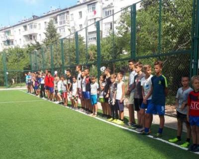 Соревнования среди детских дворовых команд!