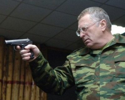 Владимира Жириновского вызвали на дуэль, а Миронов пока отмалчивается
