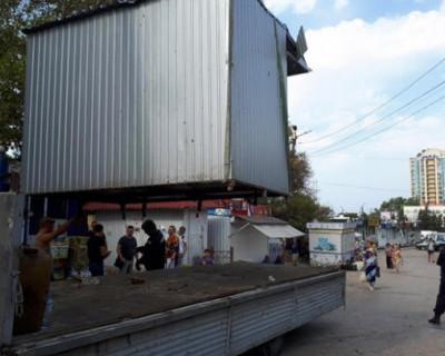 В Севастополе павильоны поднимаются выше головы