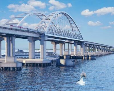 На каких условиях иностранцы будут получать медаль за Крымский мост