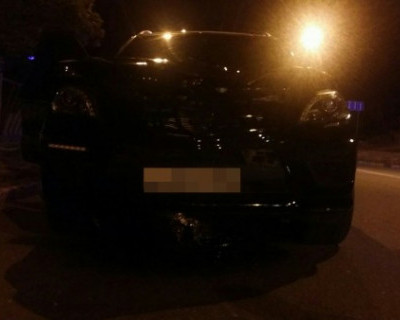В Севастополе водитель элитного авто сбил человека и скрылся с места ДТП