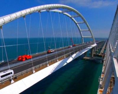 Попрошайки на Крымском мосту ловят всех на одну и ту же «приманку»